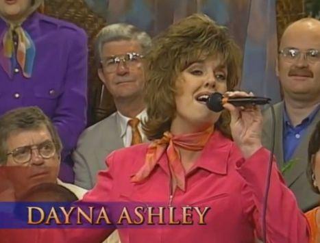 DaynaAshley-Singingx50